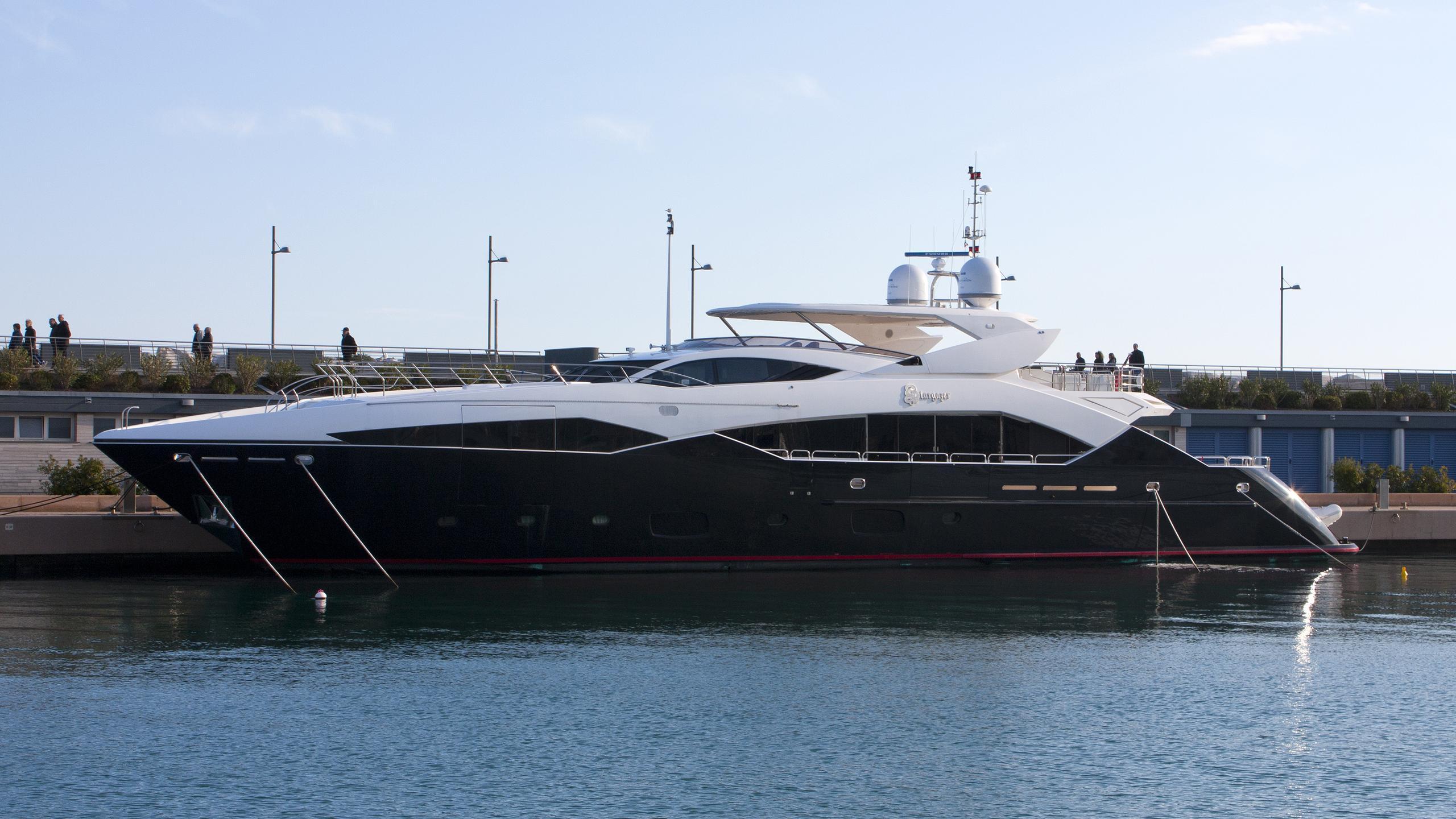 stargazer-yacht-exterior
