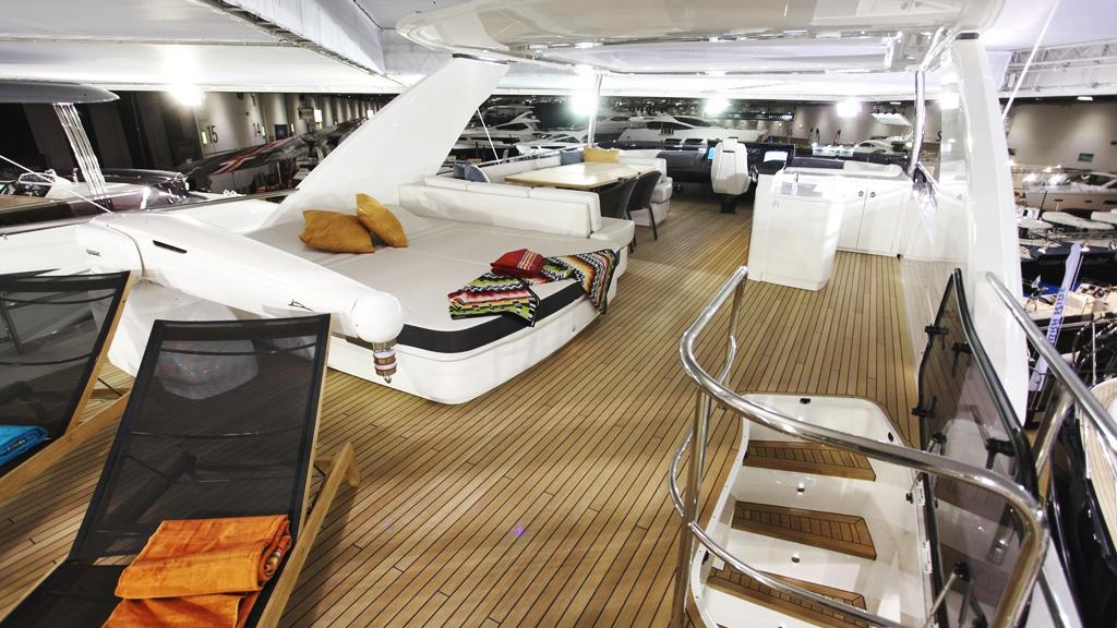 princess-88-yacht-for-sale-fly-deck