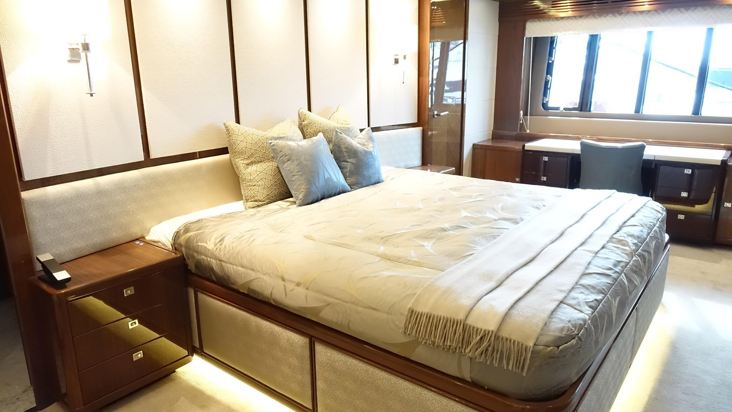 princess-98-yacht-master-cabin