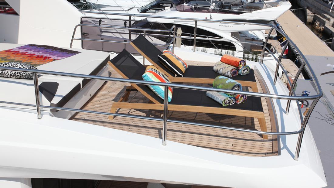 princess-82-yacht-sun-deck-aft