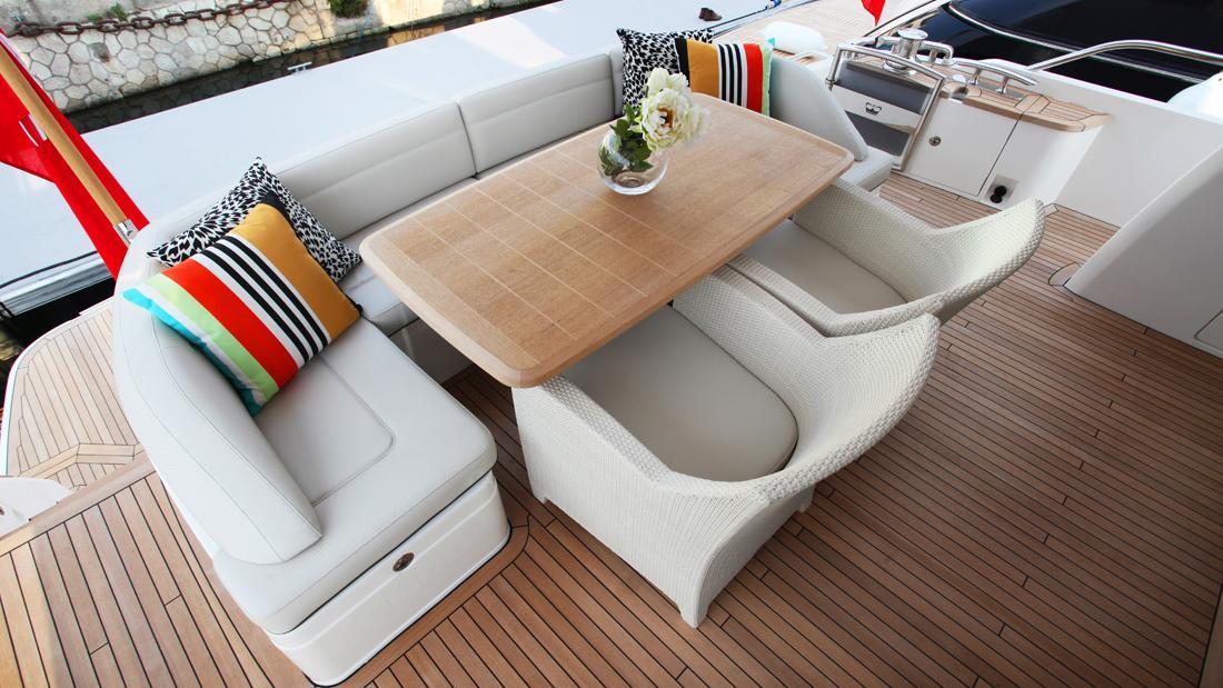 princess-82-yacht-upper-deck-dining