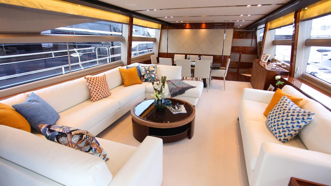 princess-82-yacht-saloon