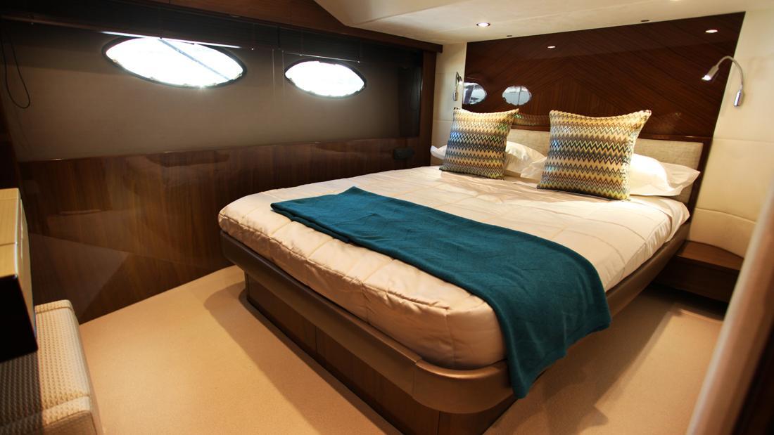 princess-82-yacht-double-cabin