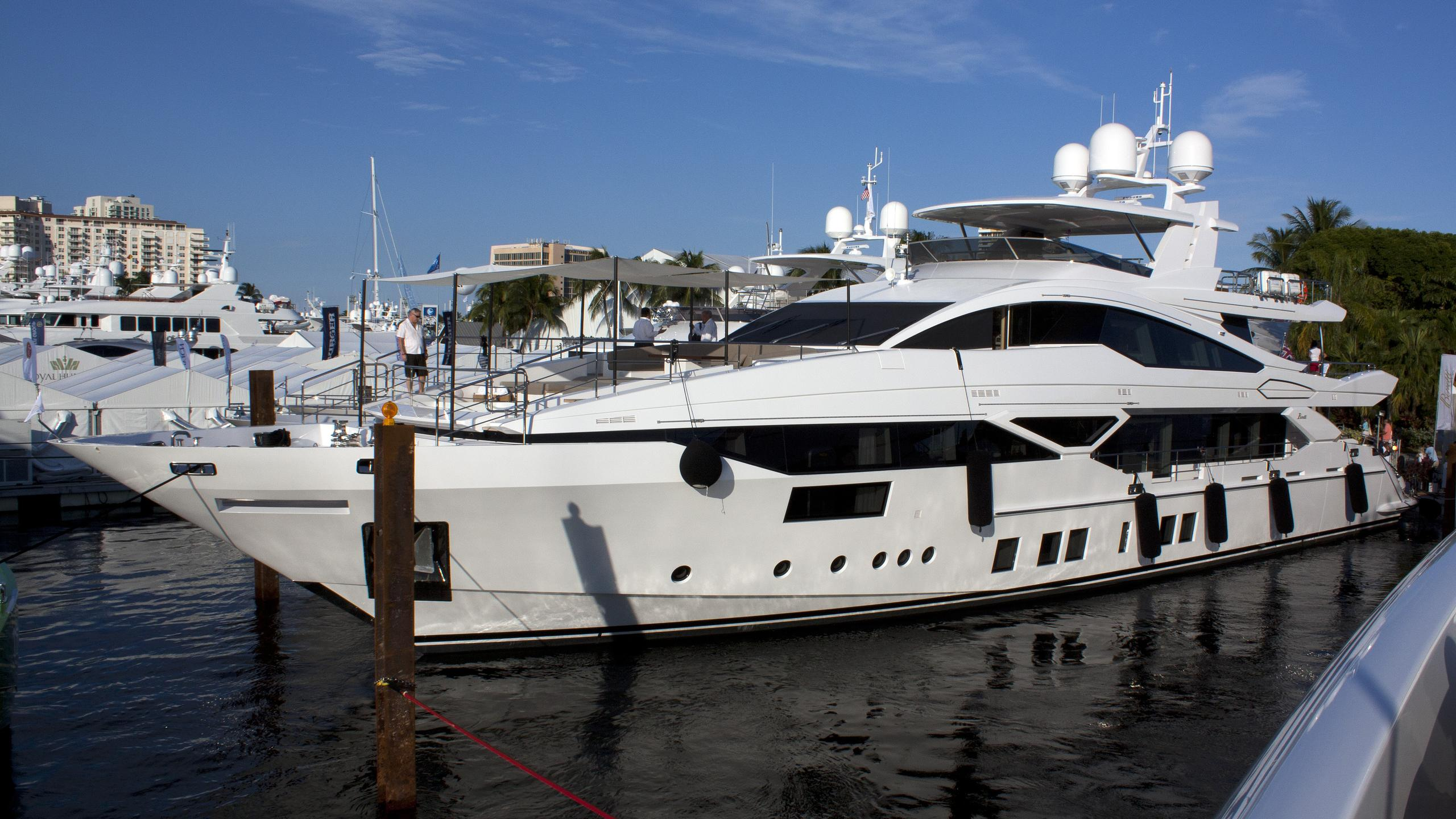 cheers-46-yacht-exterior