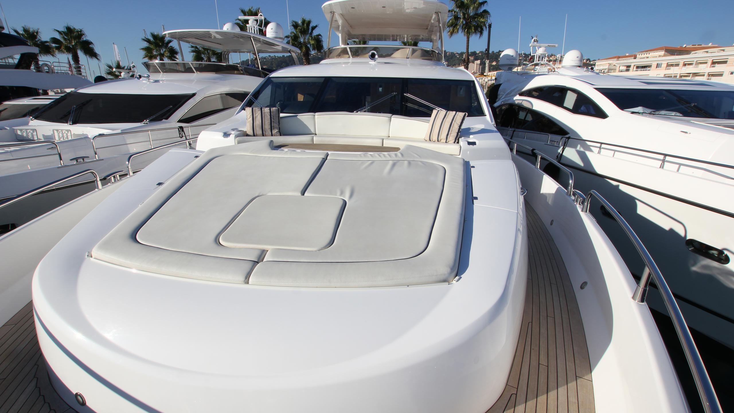 stella-ann-yacht-sun-deck