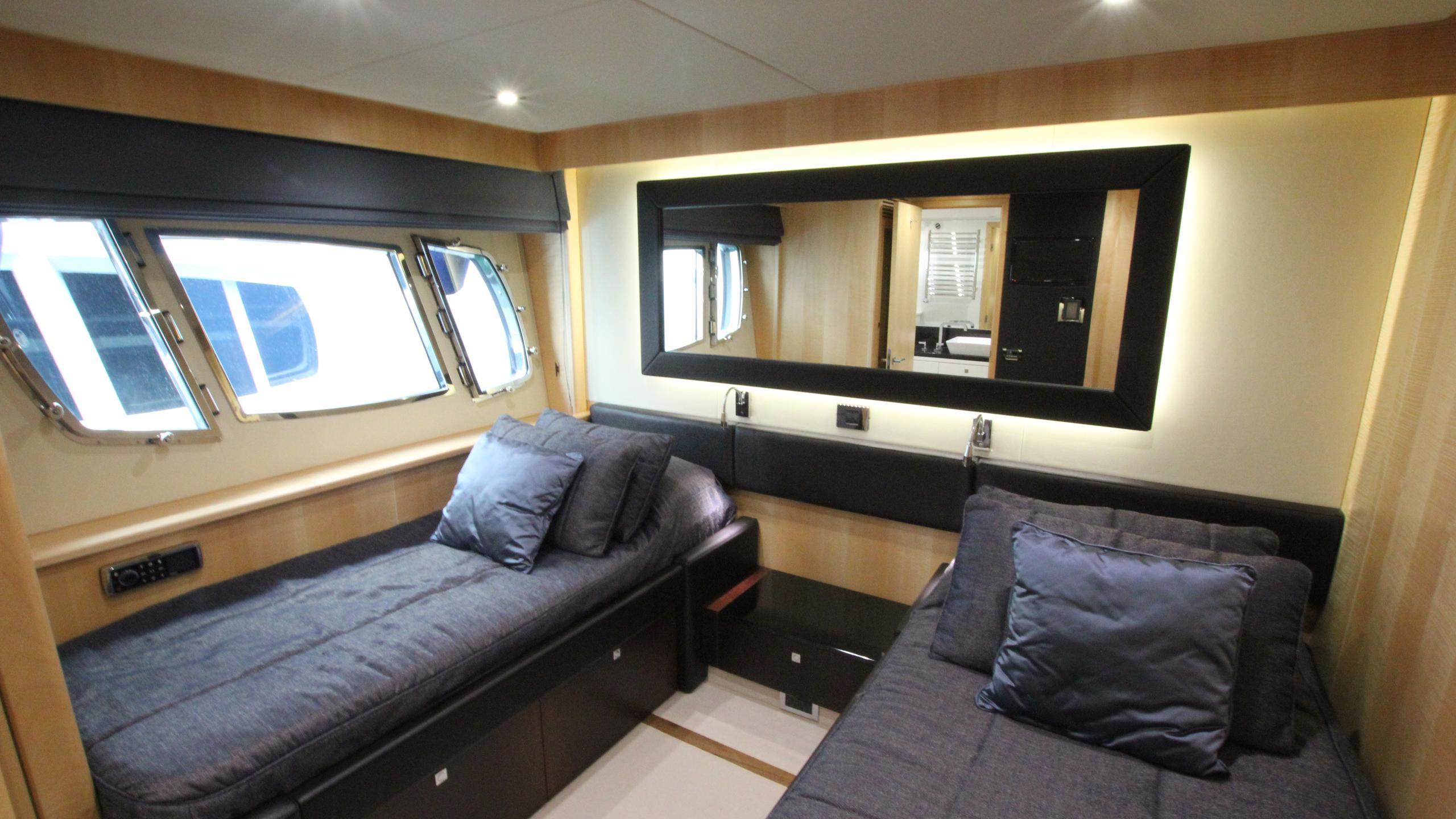stella-ann-yacht-twin-cabin