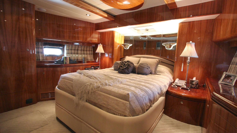 betsye-yacht-double-cabin