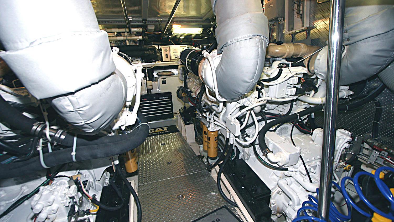betsye-yacht-engineroom