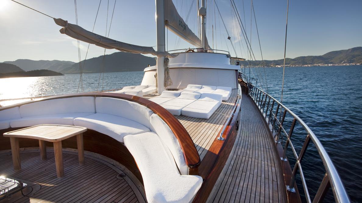 s-dogu-yacht-sun-lounger