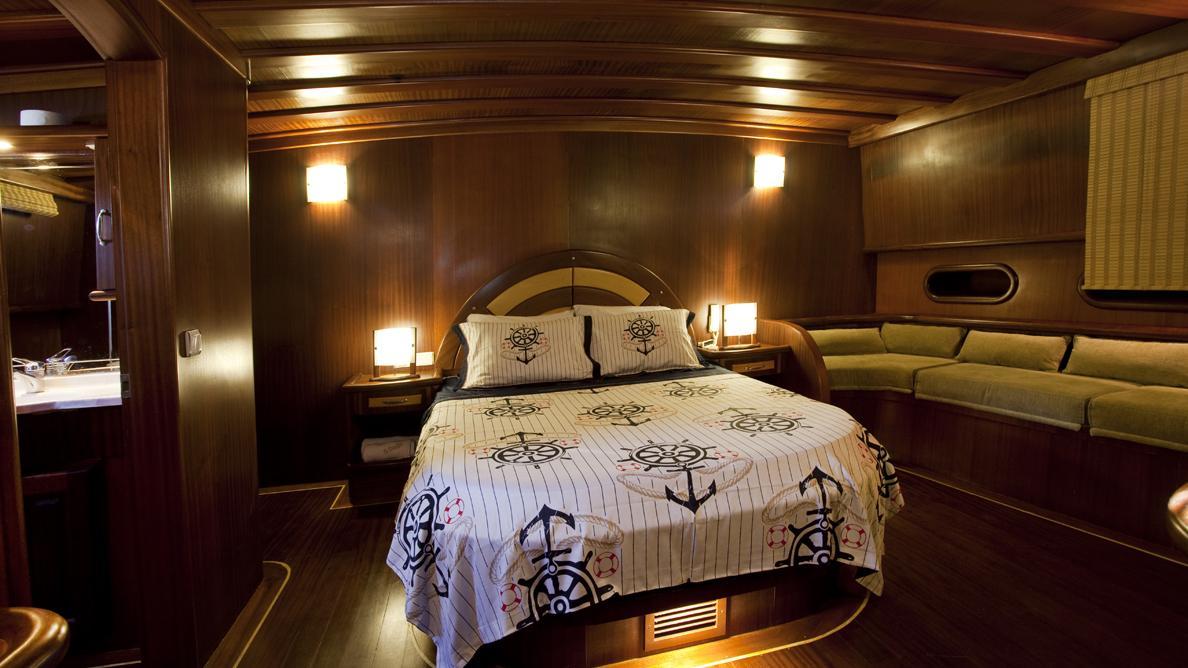 s-dogu-yacht-double-cabin