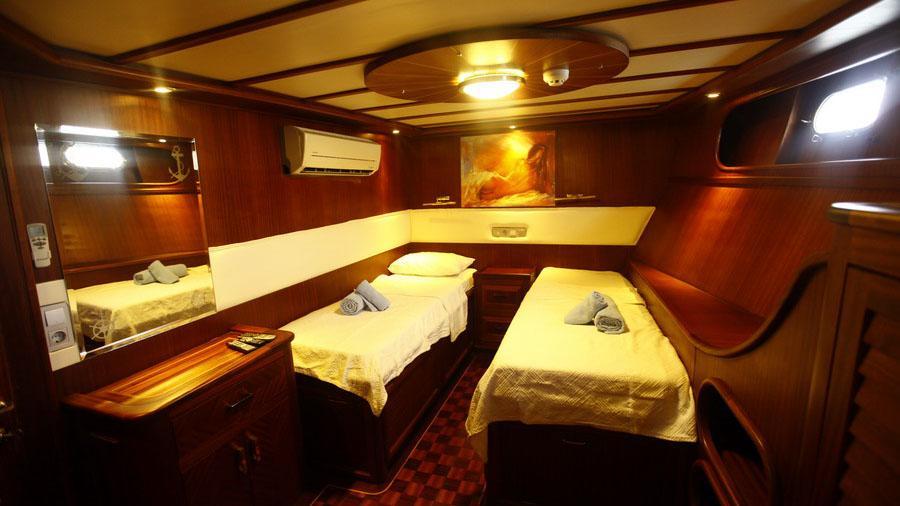 esma-sultan-ii-yacht-twin-cabin
