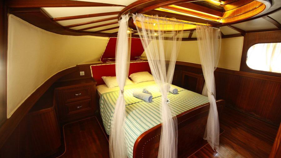 esma-sultan-ii-yacht-double-cabin