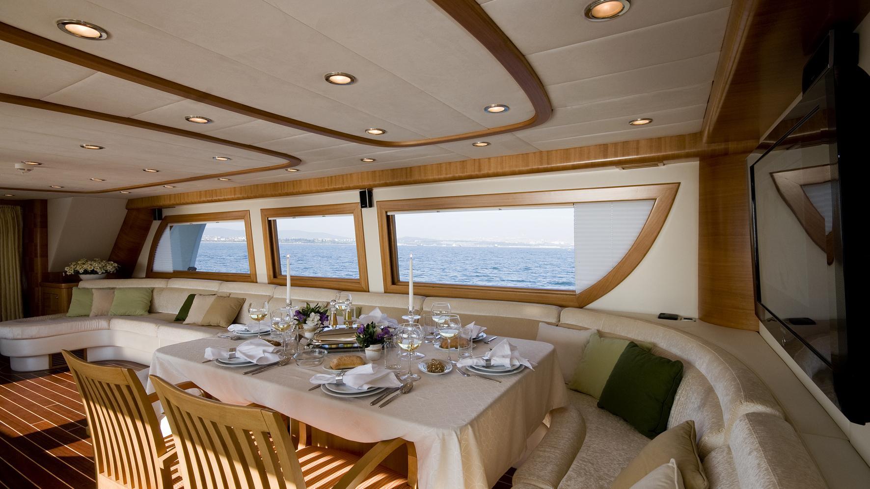 azmim-yacht-formal-dining