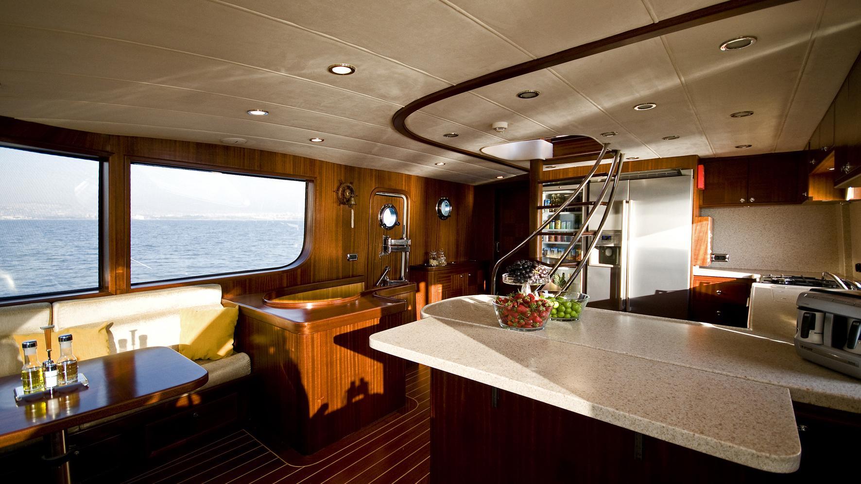 azmim-yacht-galley