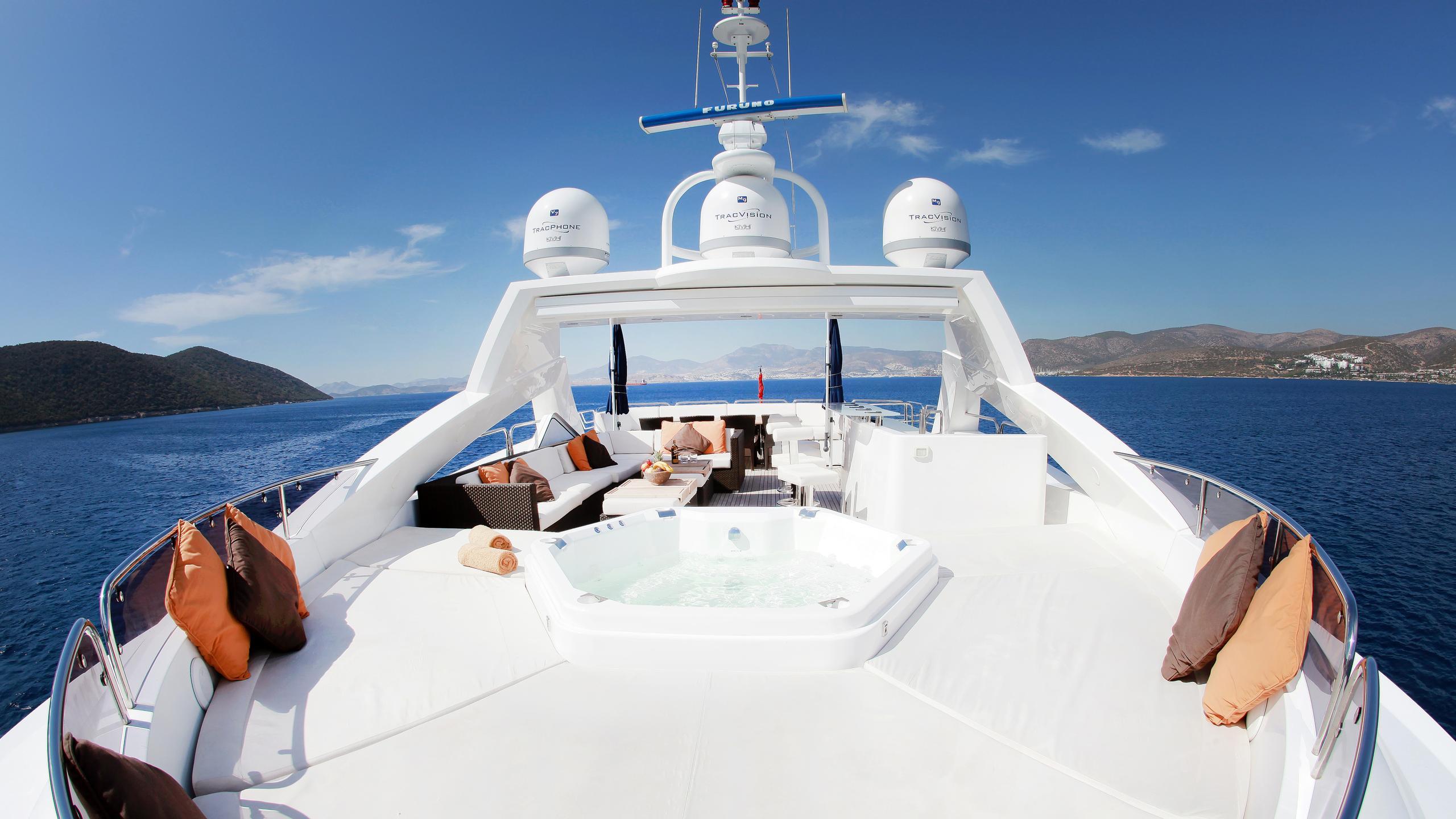 barracuda-red-sea-yacht-sun-deck