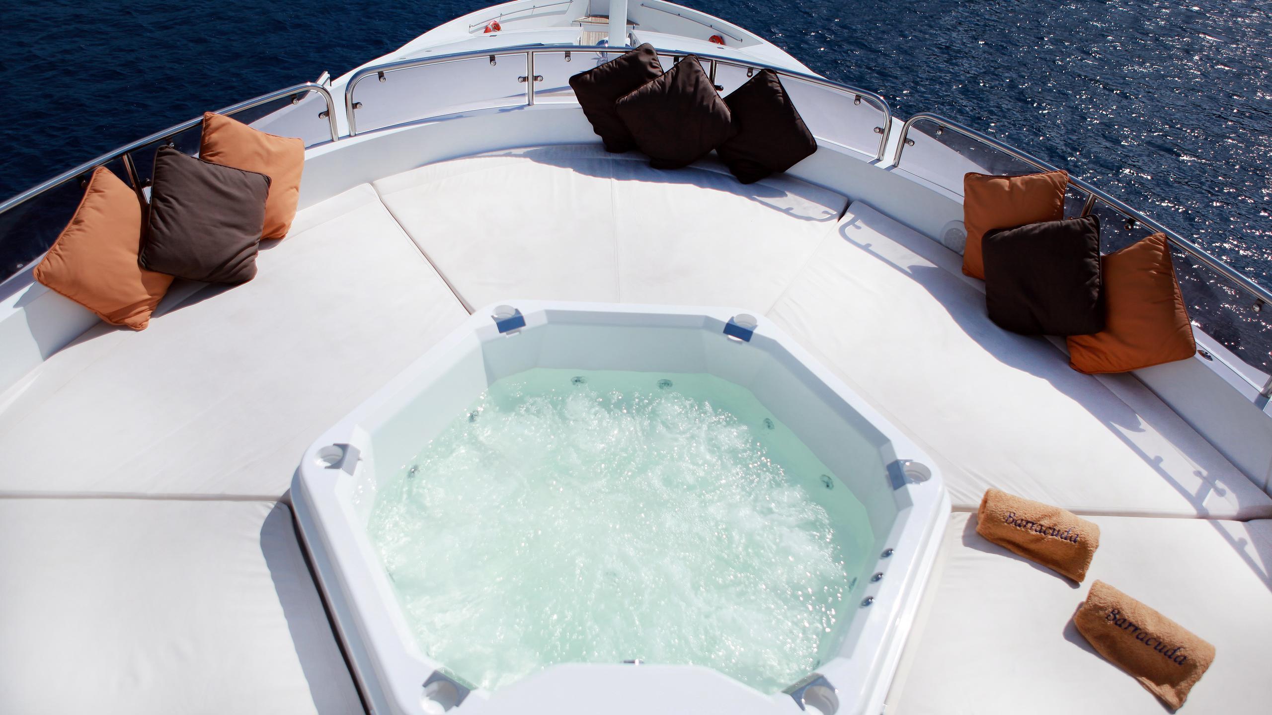 barracuda-red-sea-yacht-jacuzzi