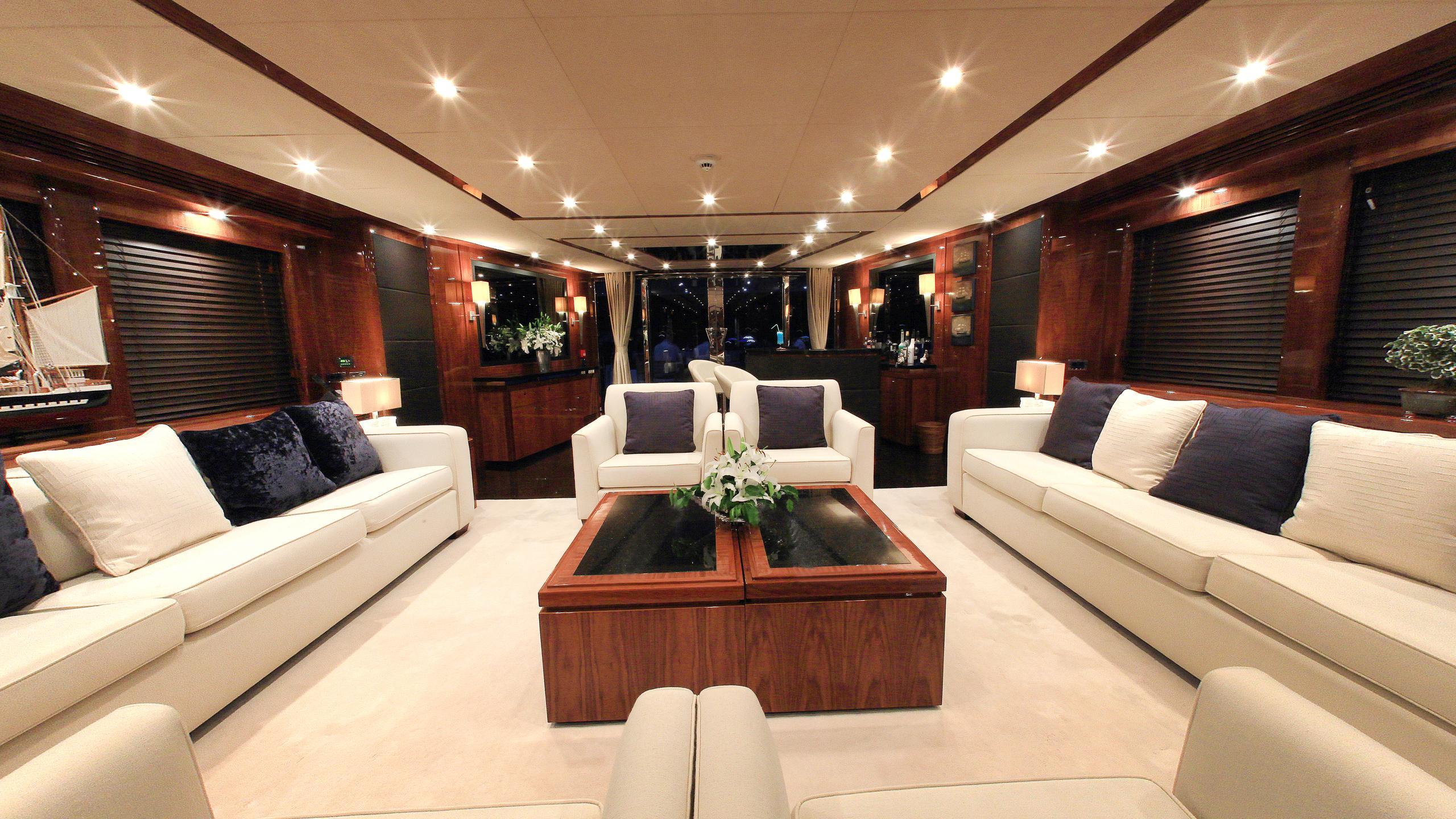 barracuda-red-sea-yacht-saloon
