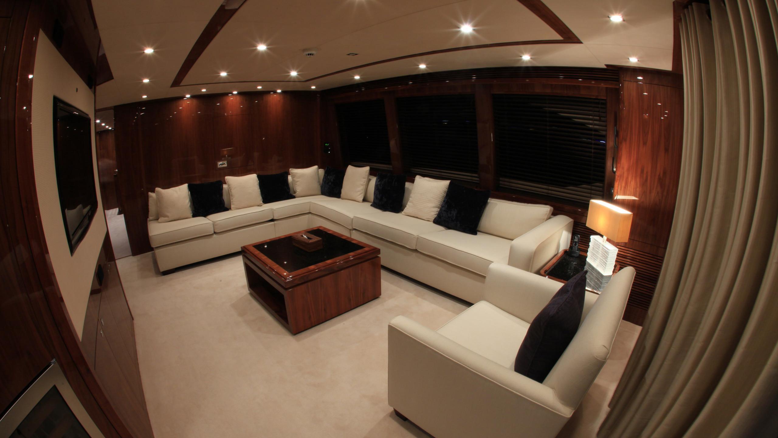 barracuda-red-sea-yacht-lounge