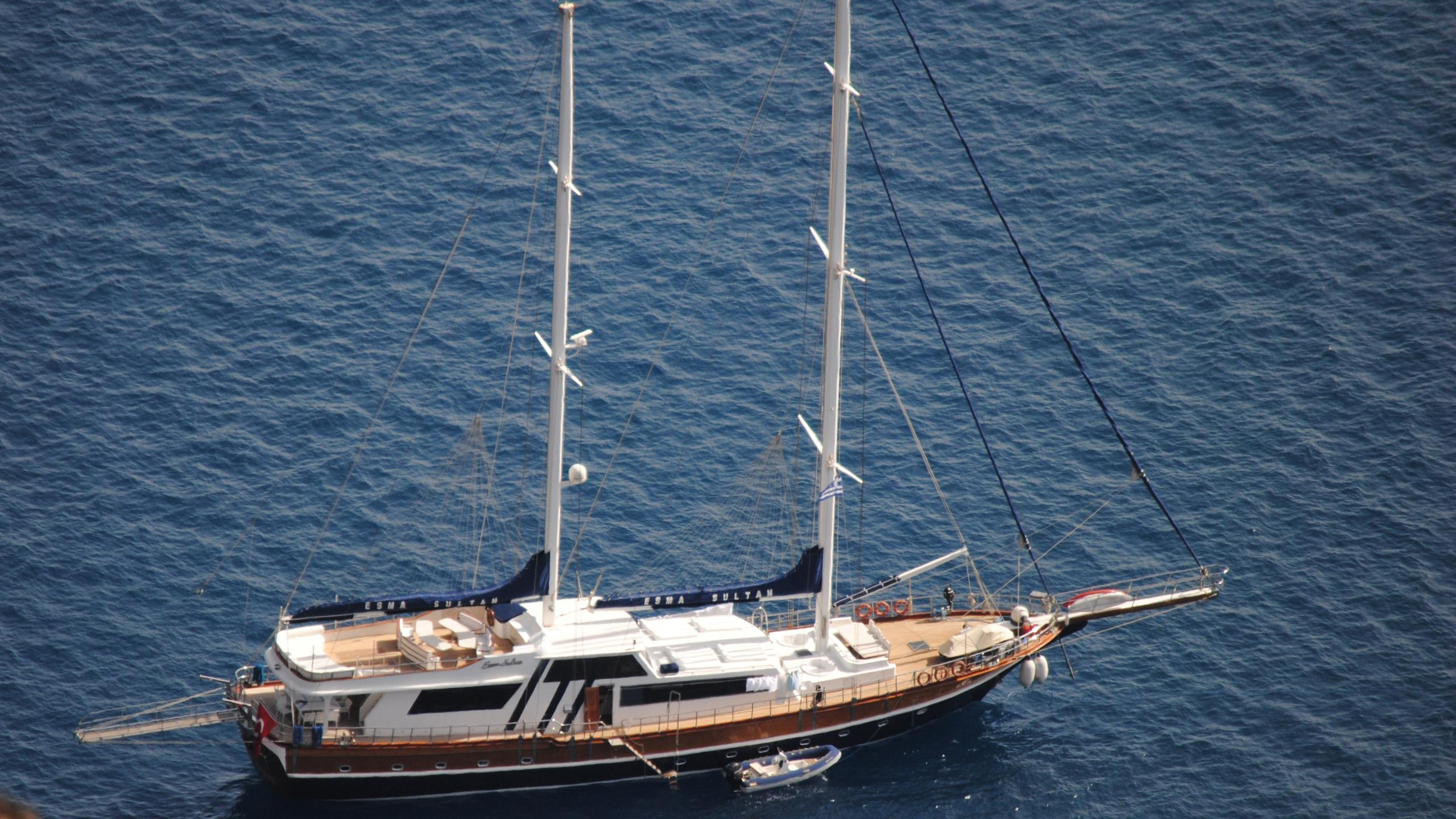 esma-sultan-yacht-aerial