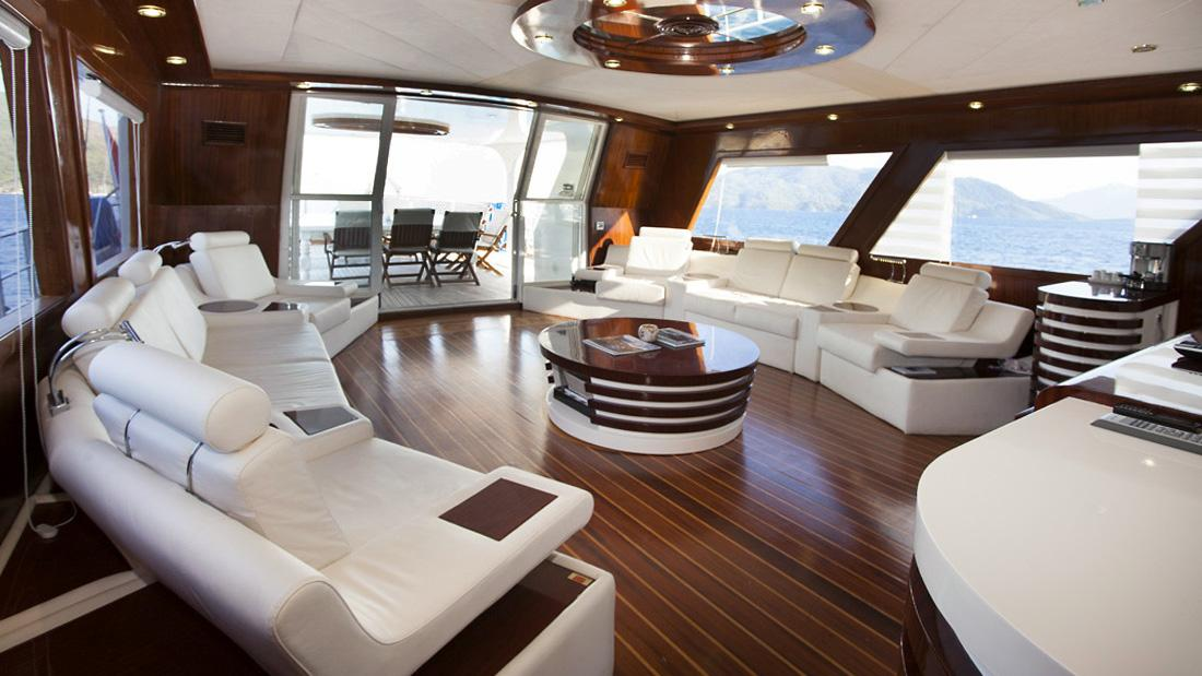 esma-sultan-yacht-saloon