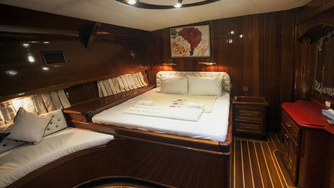 esma-sultan-yacht-double-cabin