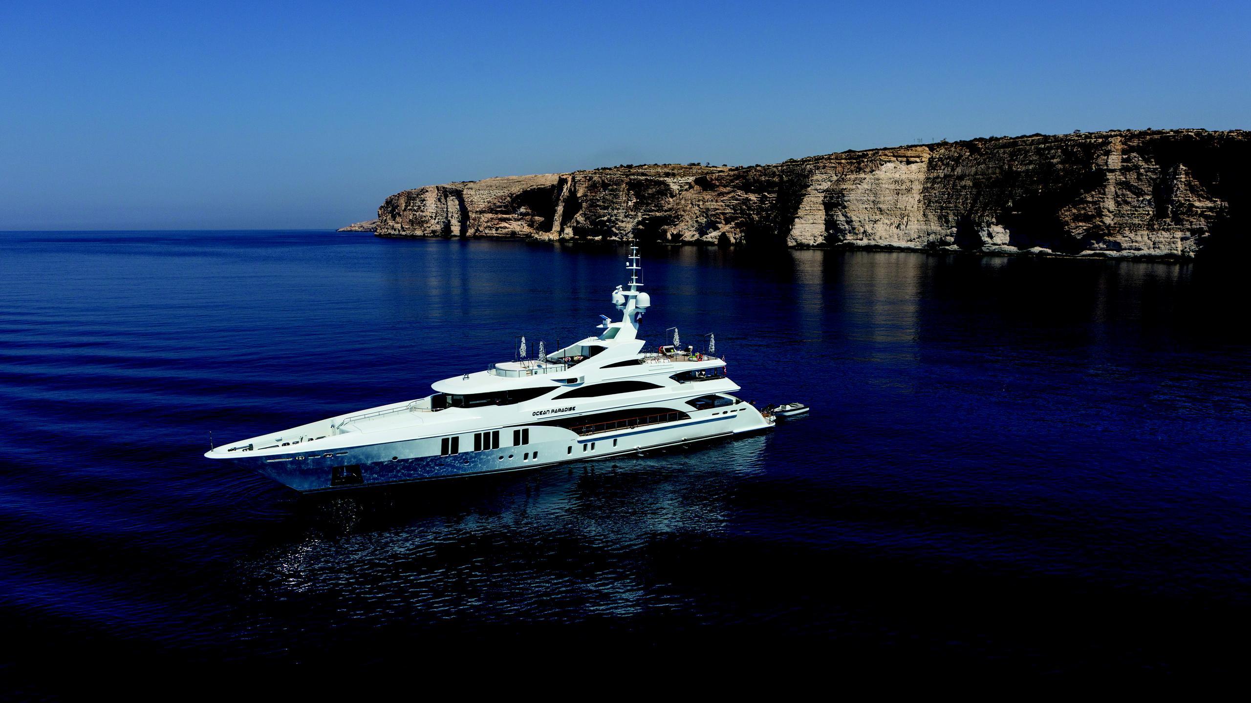 ocean-paradise-yacht-aerial