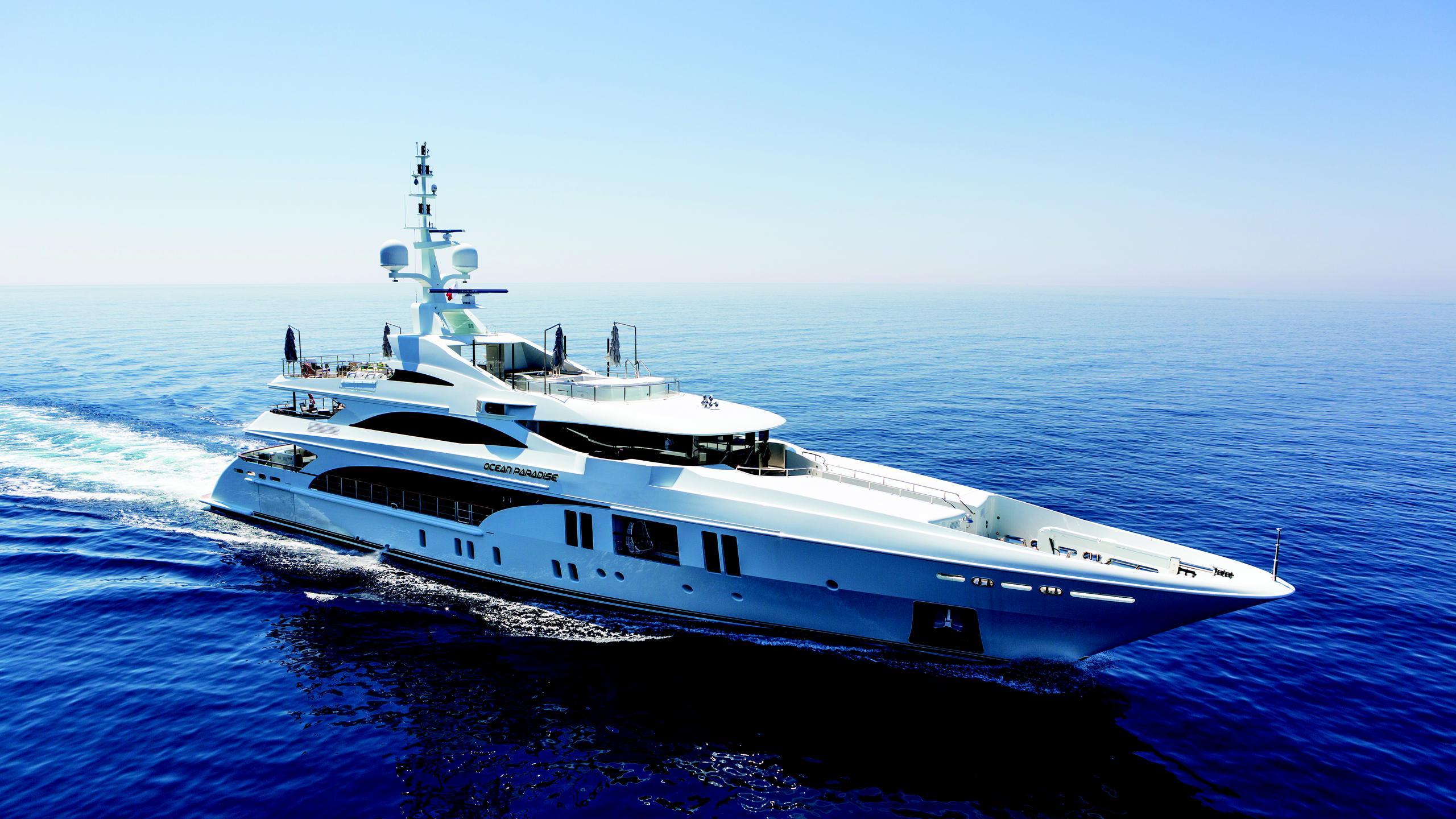 ocean-paradise-yacht-cruising