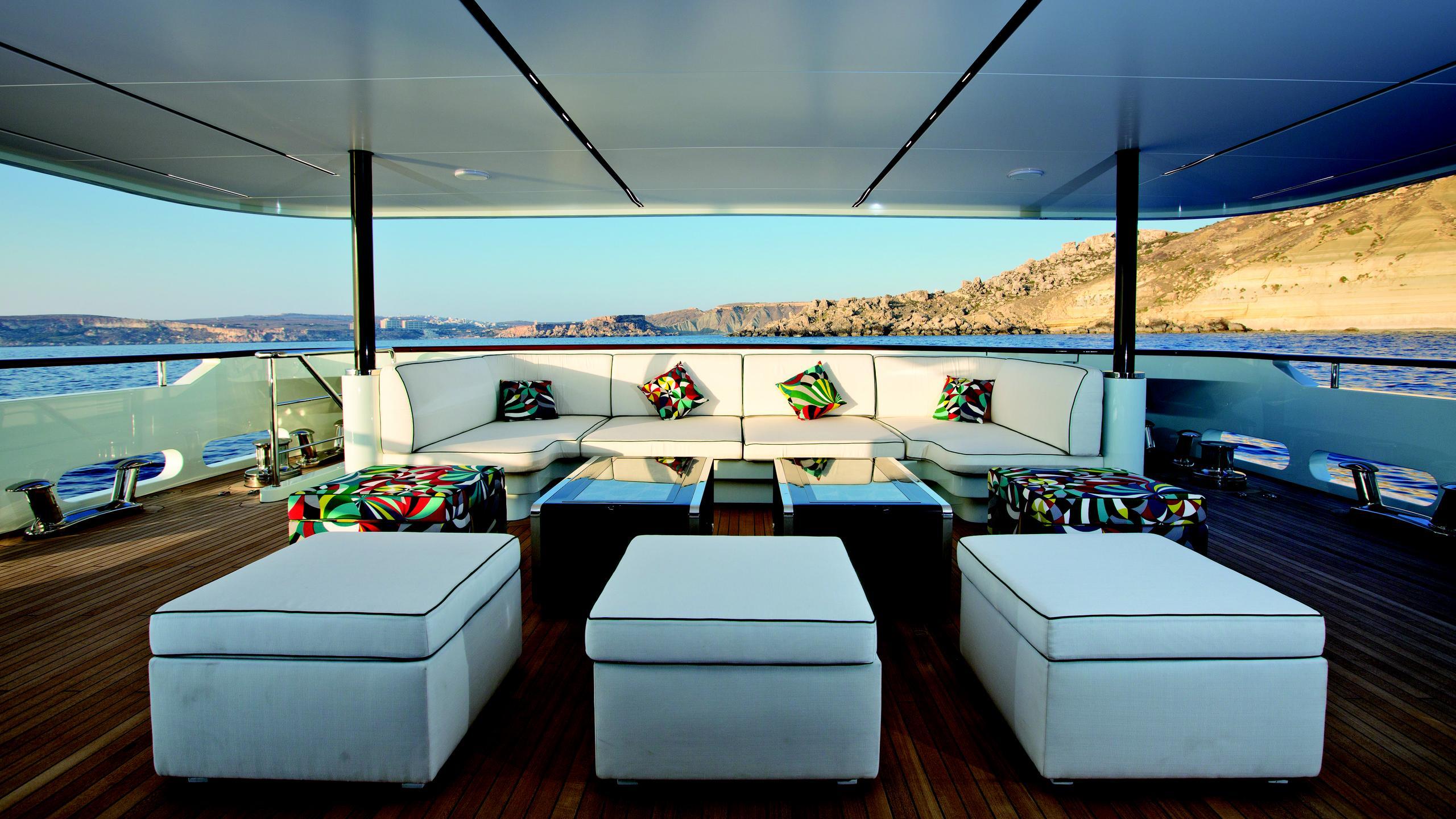 ocean-paradise-yacht-aft-lounge