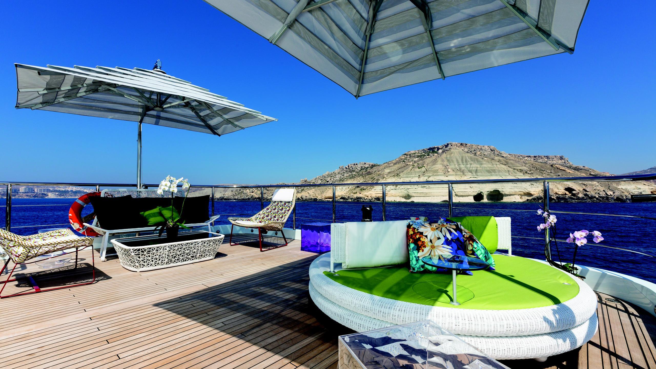 ocean-paradise-yacht-upper-deck