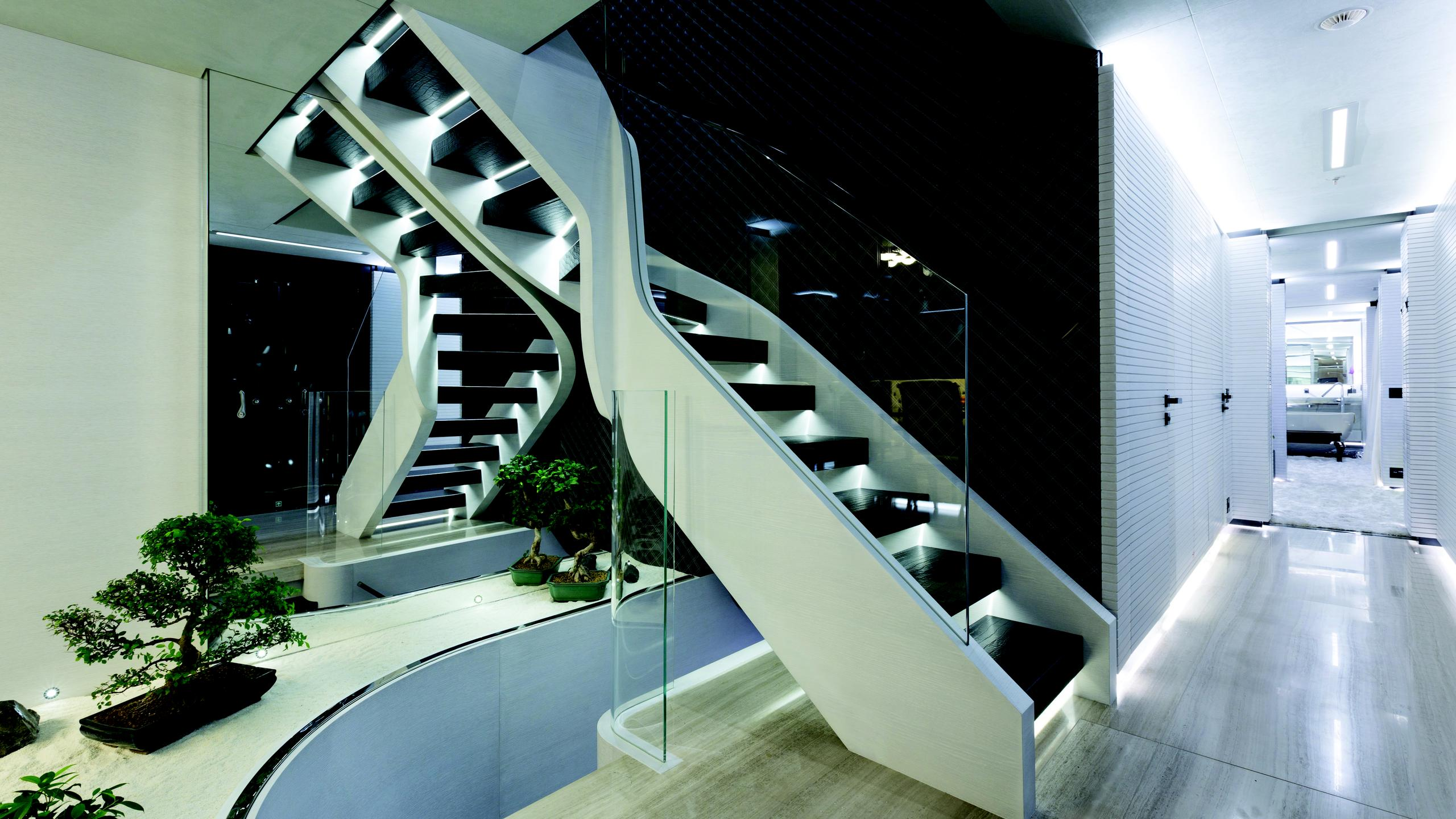 ocean-paradise-yacht-stairs