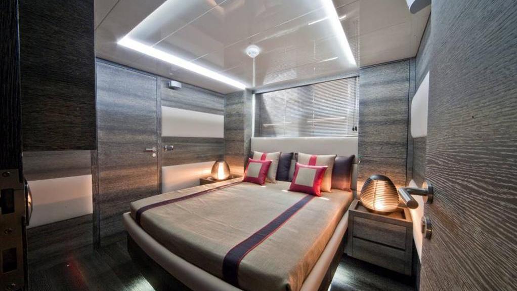 toby-yacht