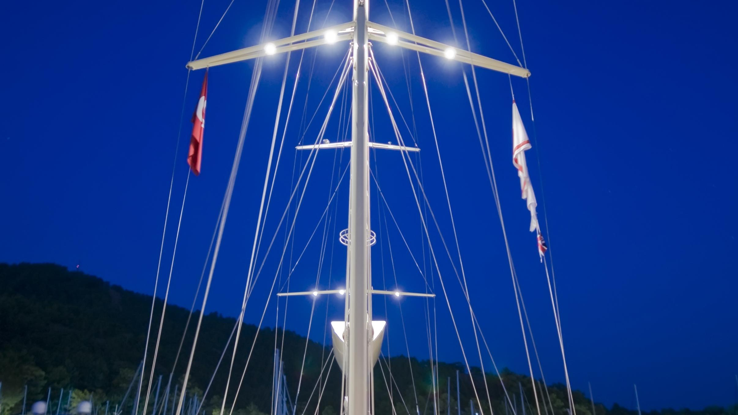 daima-yacht-deck-night