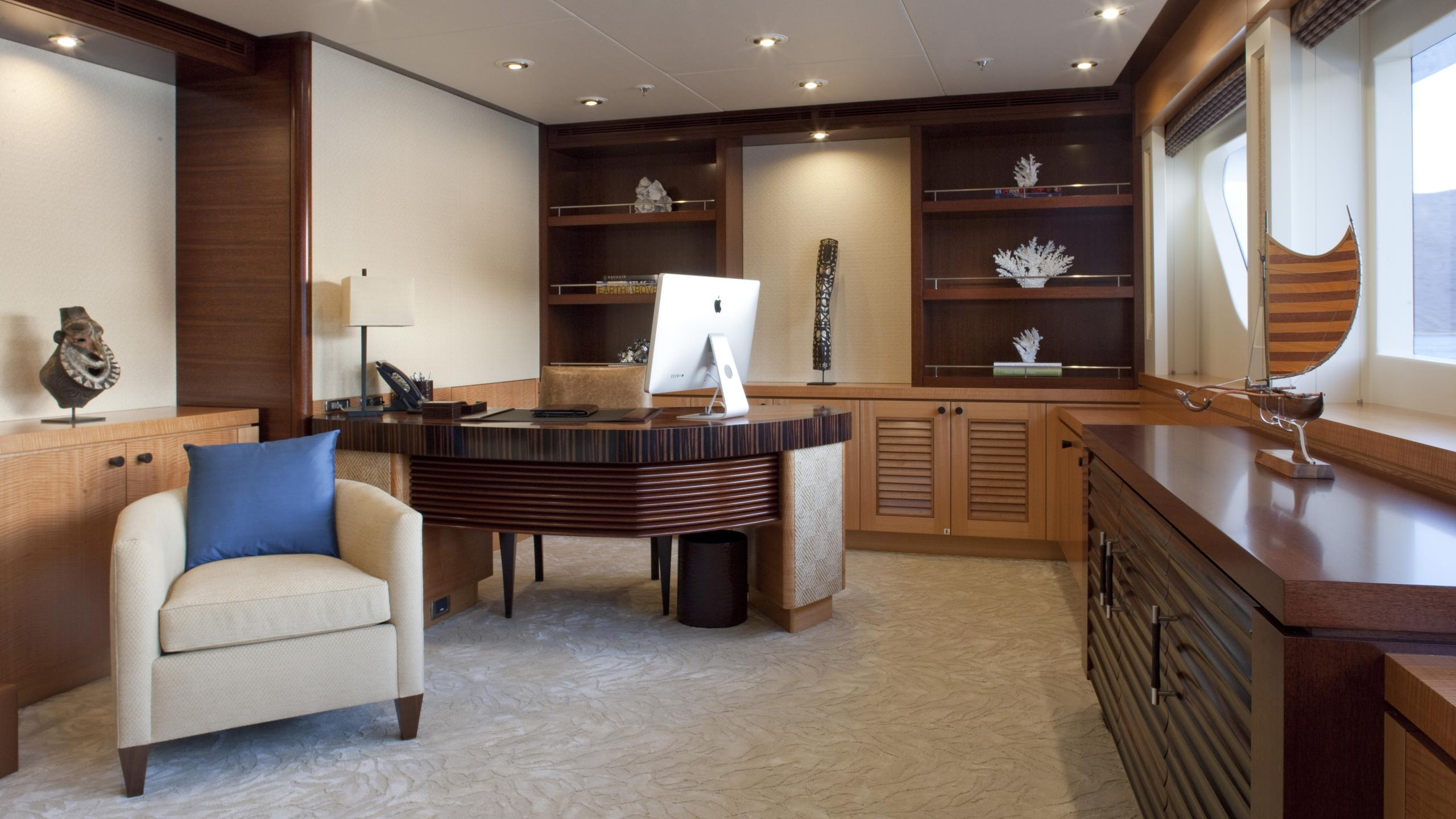 arianna-yacht-office