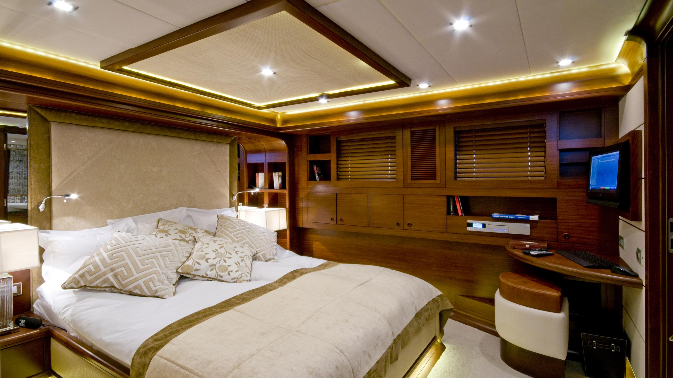 daima-yacht-double-cabin