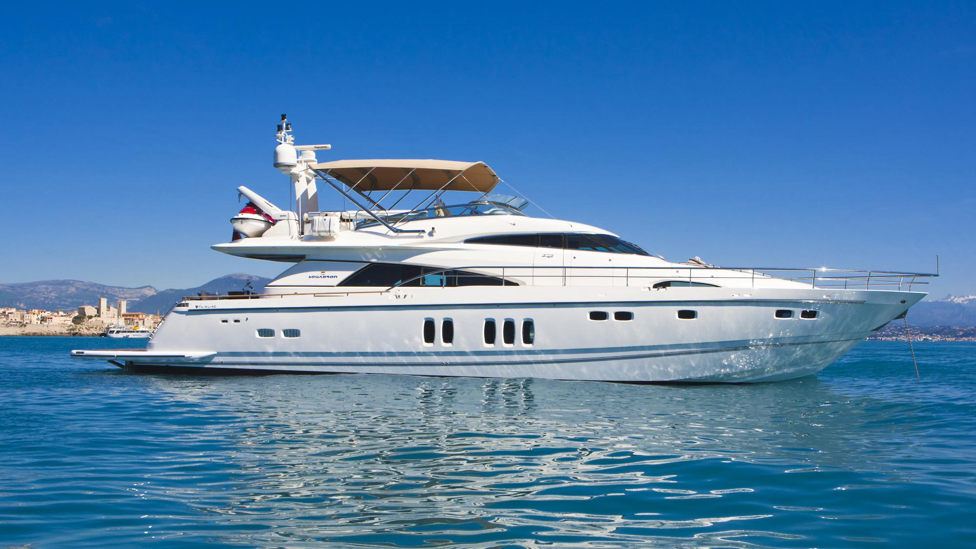 D5-yacht-for-charter-profile
