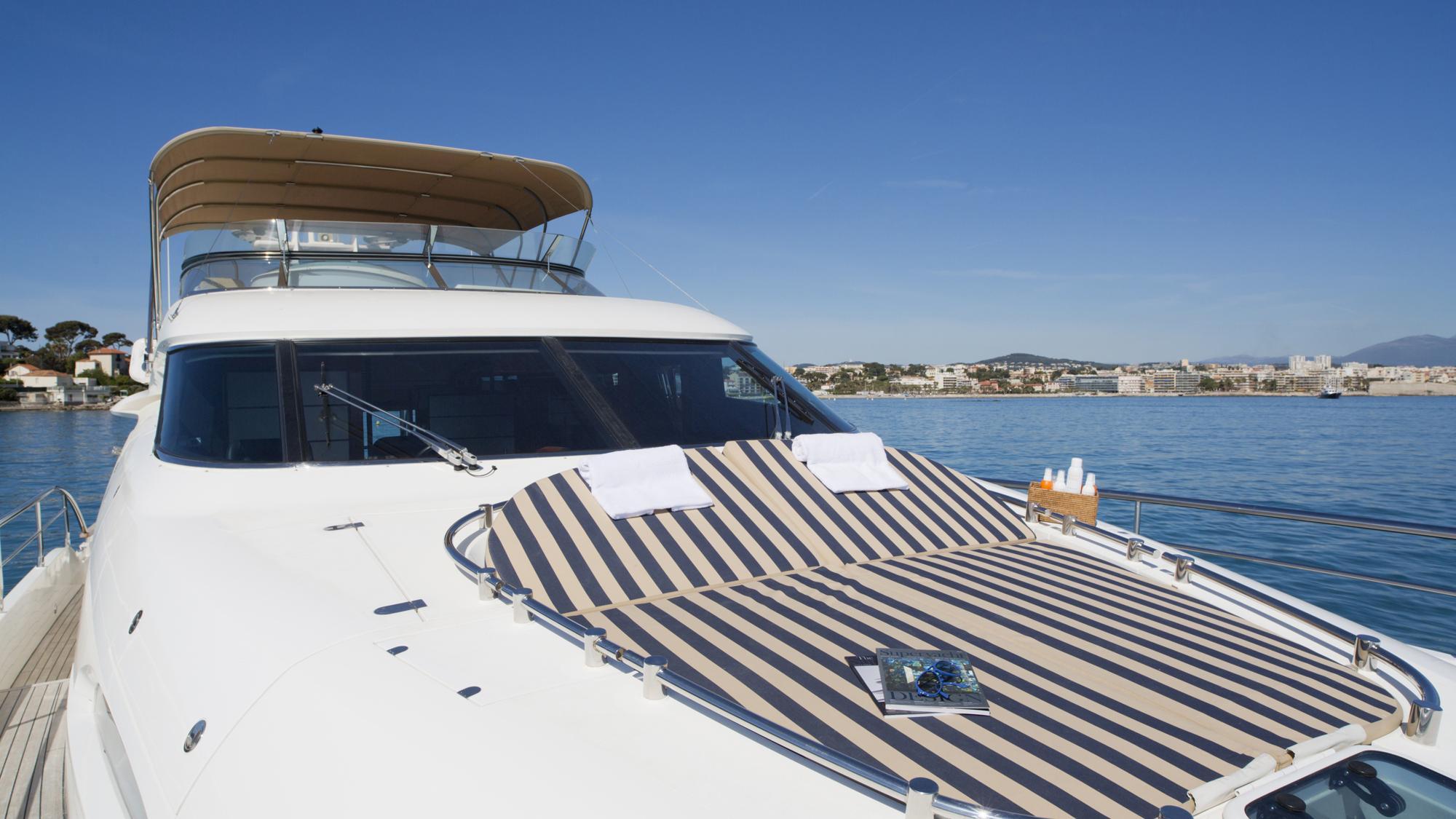 D5-yacht-sun-pads