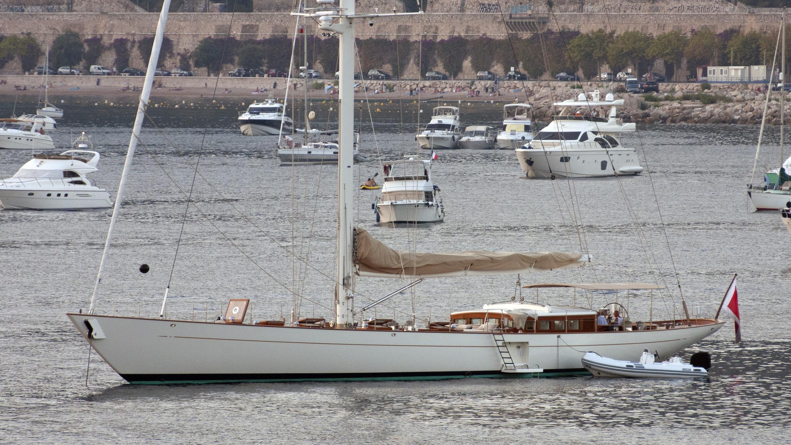 annagine-yacht-exterior