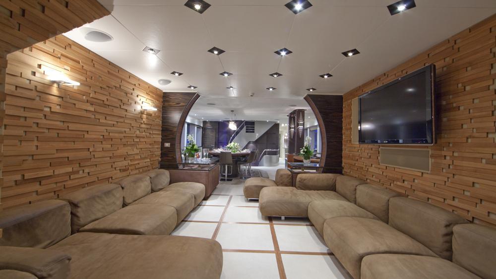 blue-mamba-yacht-lounge