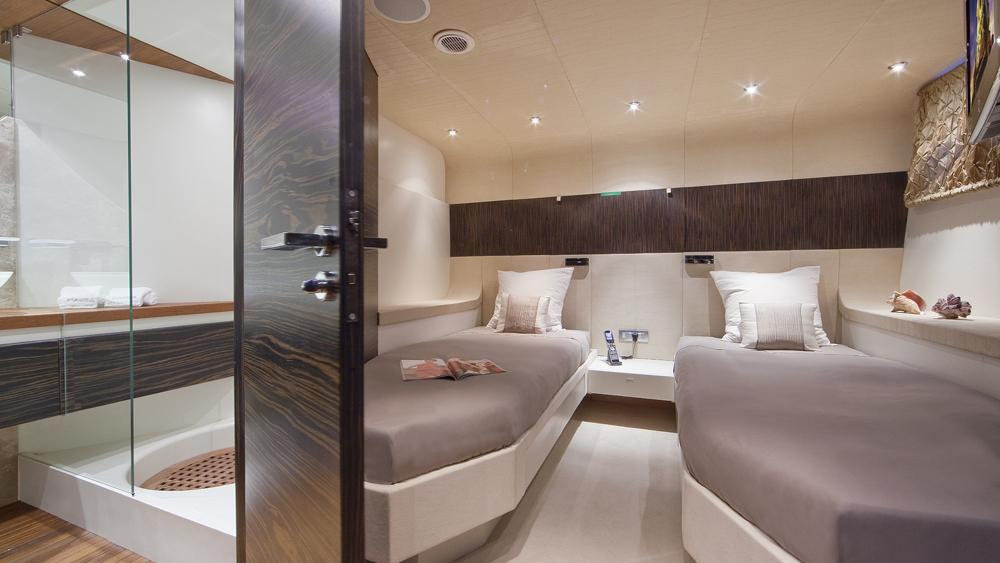 blue-mamba-yacht-twin-cabin