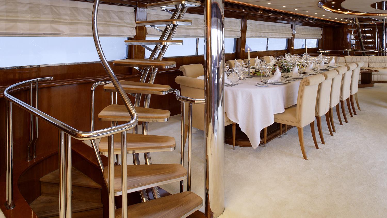 corvus-yacht-formal-dining