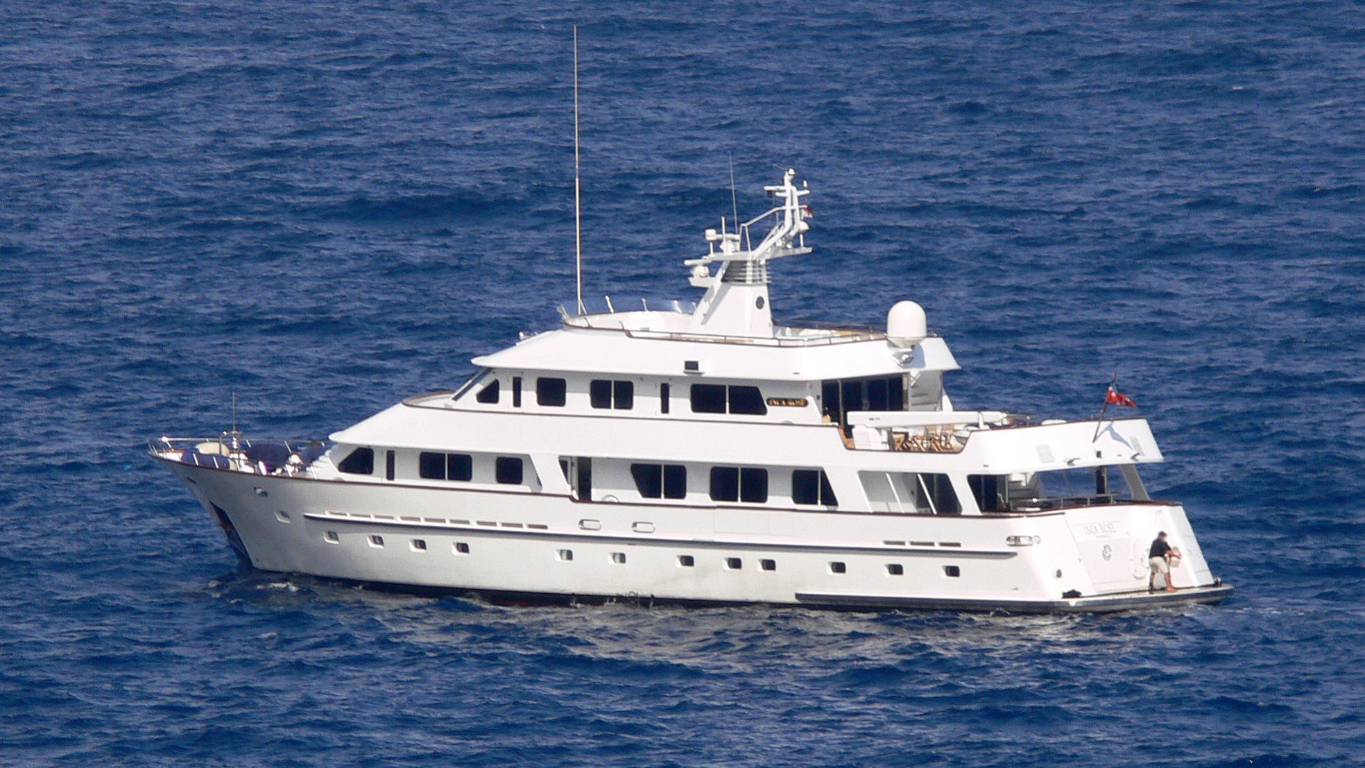 callista-yacht-exterior