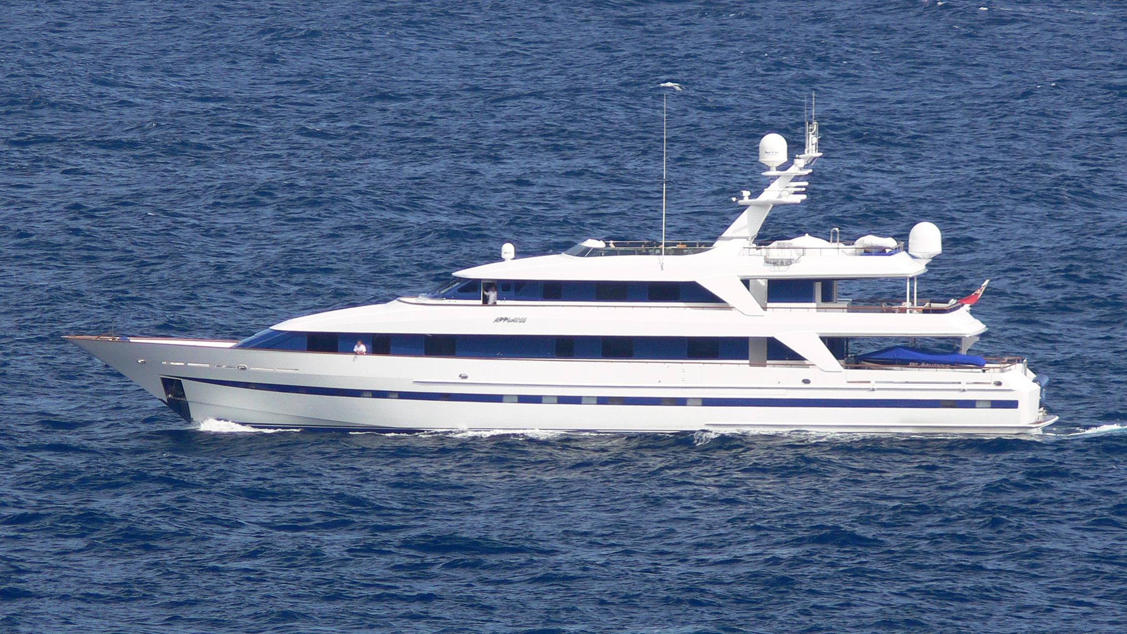 anna-j-jaan-2-yacht-exterior
