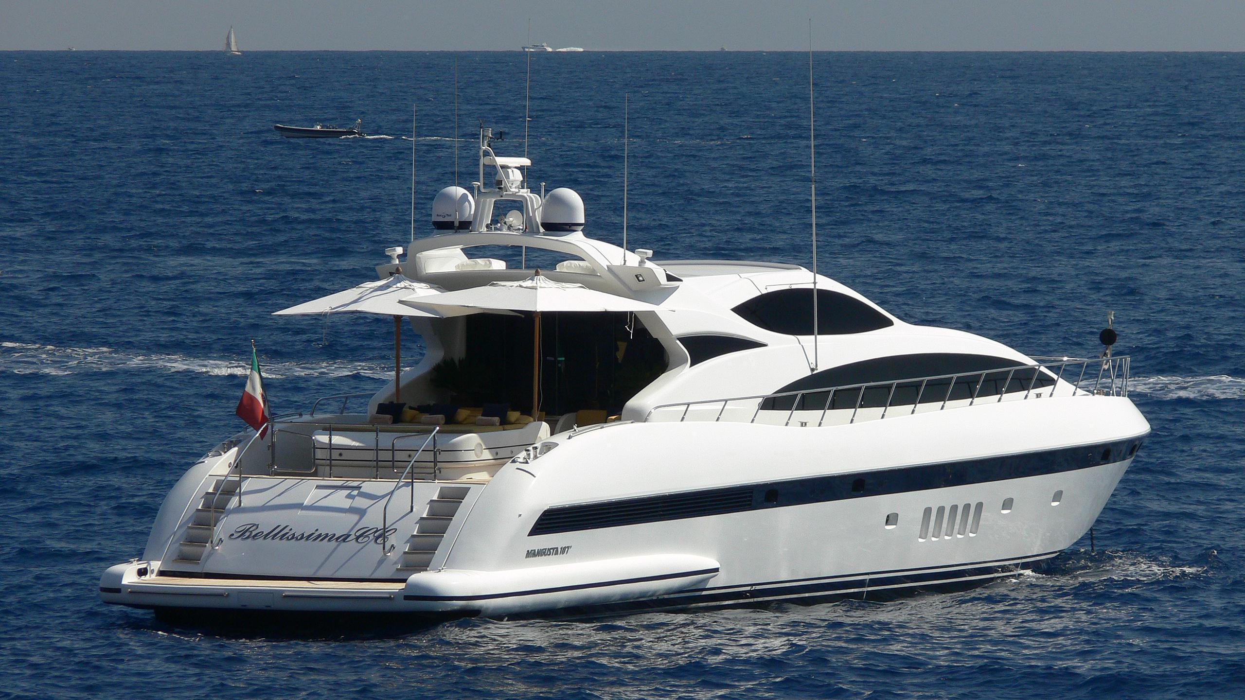 bellissima-cc-yacht-exterior