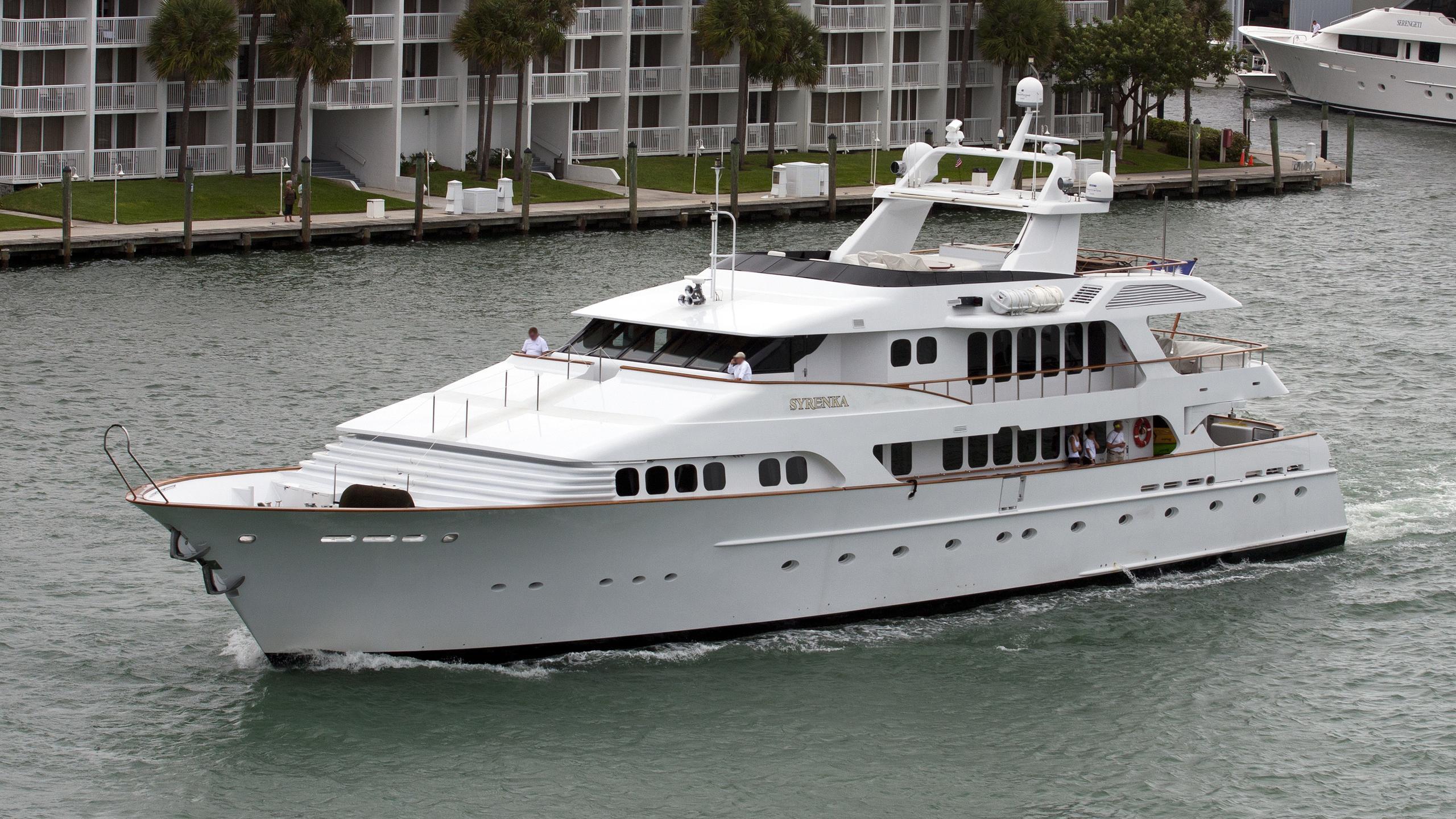 grand illusion syrenka motoryacht palmer johnson 1994 44m cruising half profile