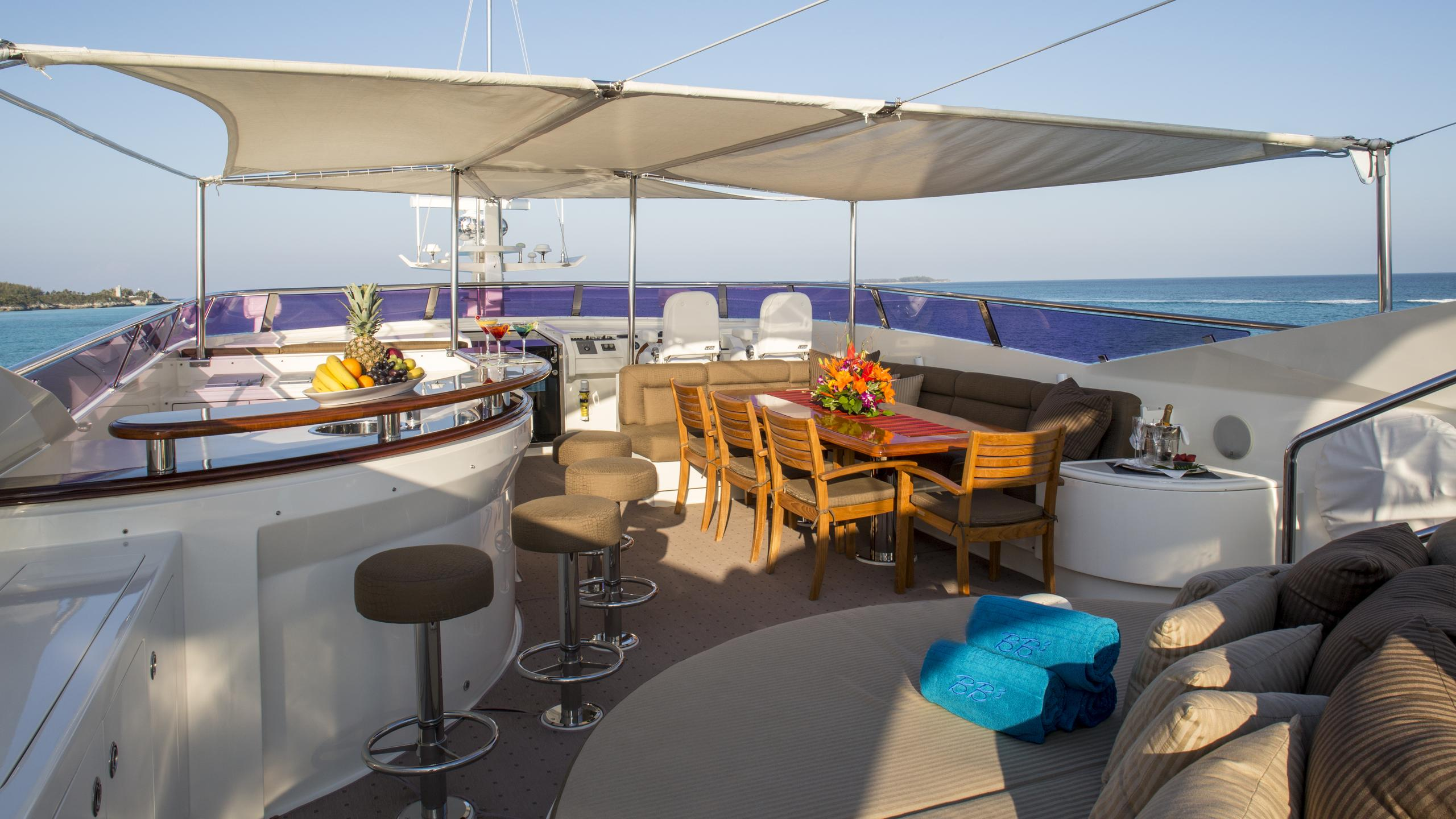 bb3-yacht-fly-deck