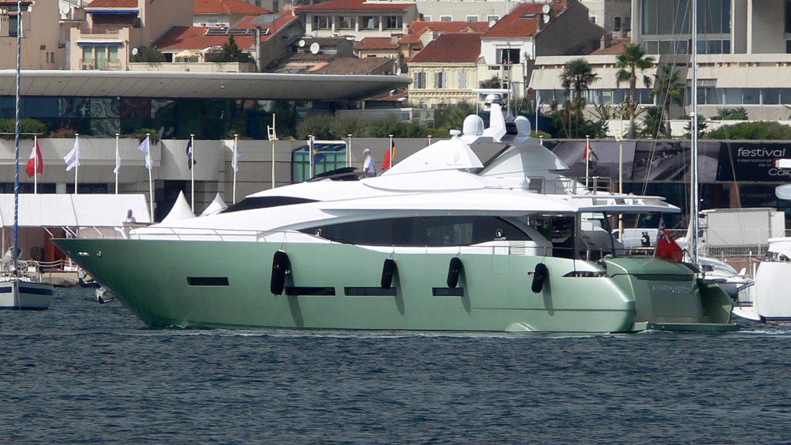 bibich-yacht-exterior