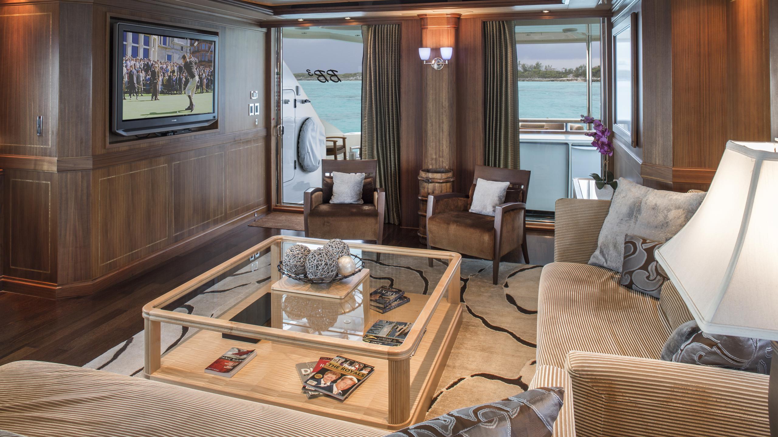 bb3-yacht-lounge