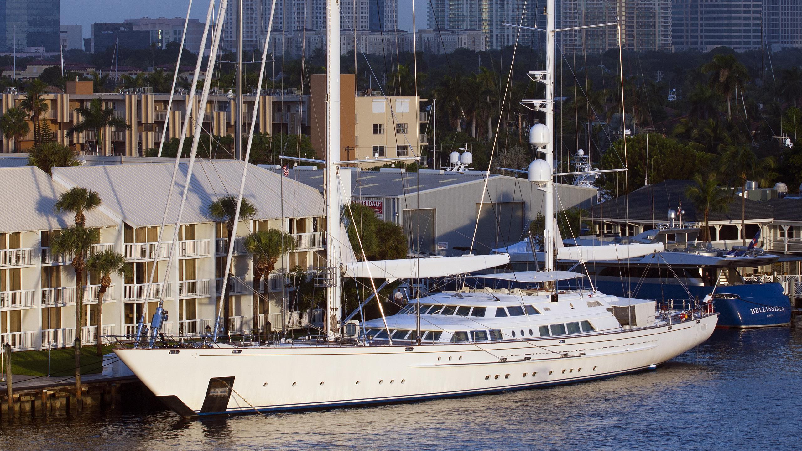 spirit-of-the-cs-yacht-exterior