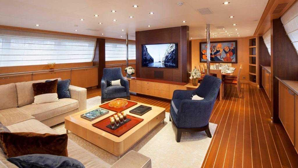victoria-yacht-saloon