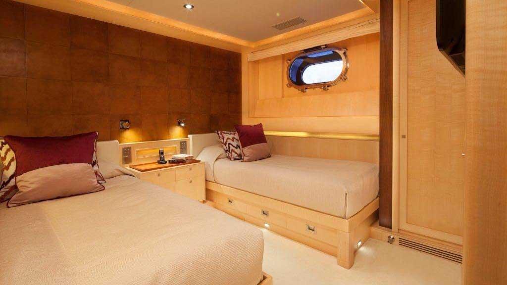 victoria-yacht-twin-cabin